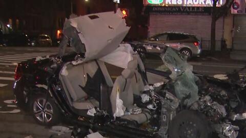 Las imágenes del violento accidente que sufrió un auto a toda velocidad contra un camión en Manhattan