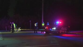 Mantienen la búsqueda de dos personas desaparecidas tras caer con su auto a un canal en Miami-Dade