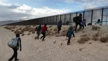 Dolor, heridas y hasta muerte: las historias tras los fallidos intentos por saltar el muro fronterizo en El Paso, Texas