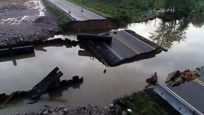 Calles cerradas y algunos deslaves dejan fuertes lluvias el fin de semana en Carolina del Norte