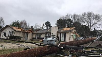 Gobernador de Georgia declara estado de emergencia tras devastadores tornados