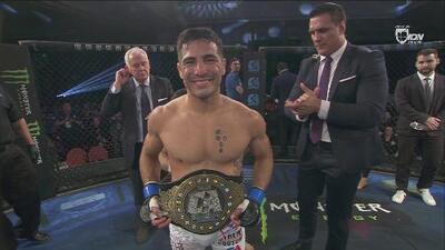 ¡Gustavo López, es el nuevo Campeón mundial de Peso Gallo en Combate Americas!