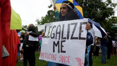 Funcionarios, activistas y dreamers protestan en Nueva Jersey en apoyo a DACA y TPS
