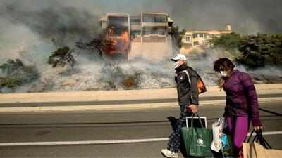 Afectados por incendios en California reciben buenas noticias