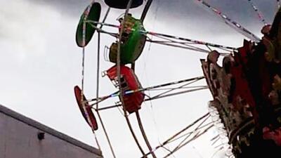 Tres menores de edad caen de una rueda de la fortuna en una feria de Tennessee