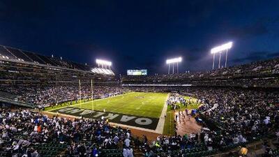 ¡Una temporada más en Oakland! Raiders reciben aprobación de arrendamiento del Coliseum
