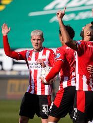 El PSV se impone 3-1 al Fortuna Sittard en la Jornada 25 de la Eredivisie. Eran Zahavi anotó doblete para los de Eindhonven y Noni Madueke anotó el tercer tanto. Cox anotó el gol en solitario para su equipo. El mexiano Erick Gutierrez entró de cambio al minuto 67.