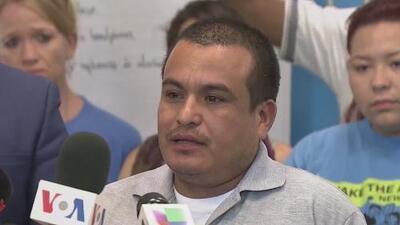 ICE extiende el permiso de estancia del inmigrante hondureño que, después de desconectar a su hija, aún lucha contra la deportación