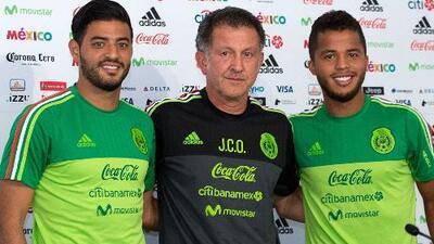 Vela y los hermanos Dos Santos, primeros convocados por México para el juego ante Bosnia