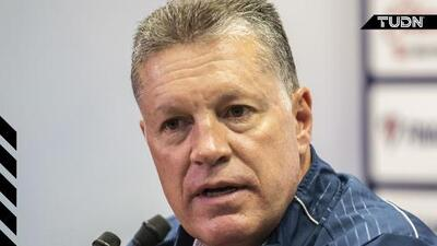 Total suspenso: Ricardo Peláez se reunió con directiva de Chivas