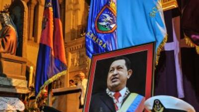 Salud de Hugo Chávez retrasaría toma de posesión