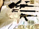 Operativo policial en Bakersfield termina en decomiso de armas, drogas y en tres arrestos