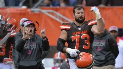 ¿Están los Cleveland Browns intentando cambiar al linieron Alex Mack y a Joe Thomas?