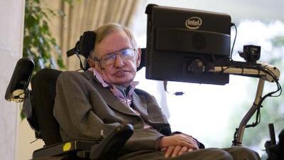 Stephen Hawking considera el suicidio asistido