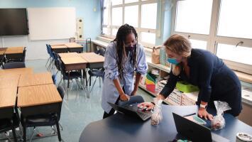 Enfermeras piden que se posponga el regreso a clases presenciales en CPS hasta que la pandemia esté más controlada