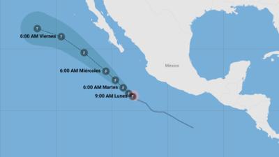John, el huracán que acompaña a la tormenta Ileana, se mueve frente a las costas de México