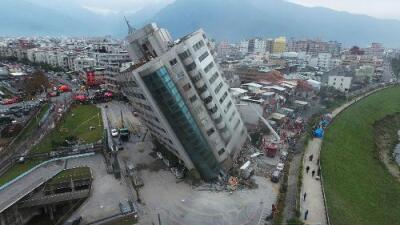 Fuerte terremoto que sacudió a Taiwán deja al menos seis muertos y decenas de desaparecidos