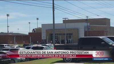 Estudiantes de San Antonio protestan por no sentirse seguros en sus escuelas