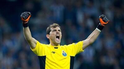 ¿Y Marchesín? Porto inscribió a Iker Casillas en la Liga local