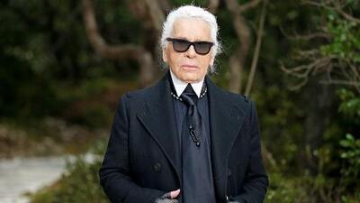Karl Lagerfeld, el icónico diseñador de la casa Chanel, muere a los 85 años de edad
