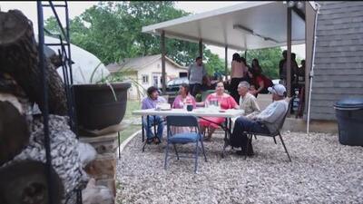 Familia celebra el Día de las Madres tras más de diez años separados por ser indocumentados