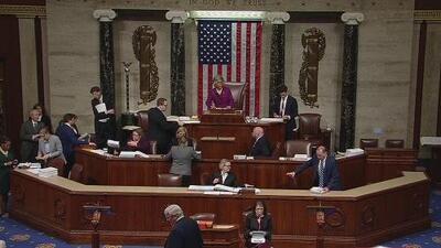 Cámara de Representantes aprueba presupuesto para intentar reabrir el gobierno (y no incluyen dinero para el muro)