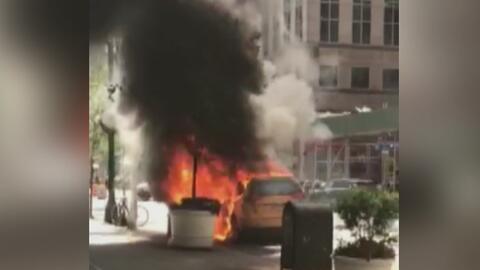 Un taxi se prendió en llamas en Manhattan por las altas temperaturas