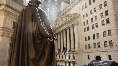 La economía de EEUU crece a un ritmo anual del 3.2 % en primer trimestre, superando las expectativas
