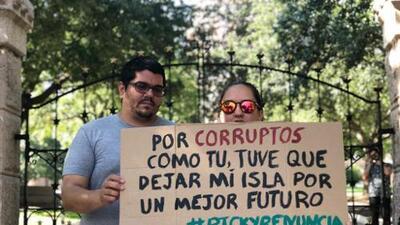 """""""Me tuve que ir de Puerto Rico por la corrupción en mi Isla"""": Boricuas en Austin se unen para hacer un llamado"""