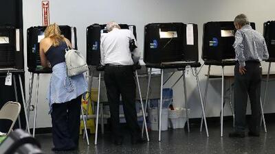 Las sorpresas y curiosidades de las elecciones primarias en Arizona y Florida