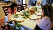 Familia, amigos y salud: las principales razones por las que los latinos de la Bahía están agradecidos