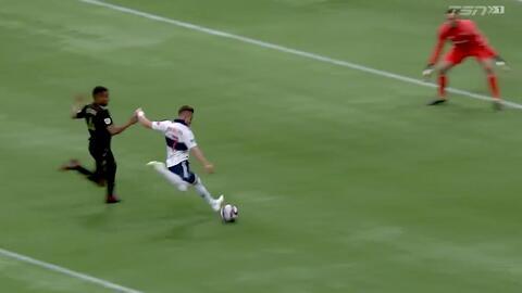 Tyller Miller le gana el mano a mano a Lucas Venuto con una espectacular atajada