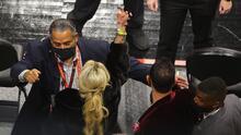 Los Atlanta Hawks investigan altercado de 'Karen' que se metió con LeBron James