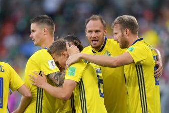 En fotos: Suecia venció 3-0 a México, que pasó a octavos de final a pesar de su derrota