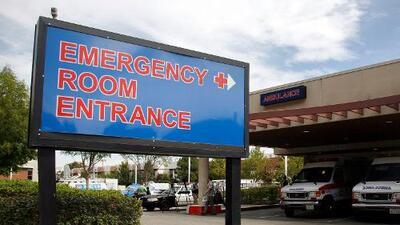 """Llevé a mi hijo a un ER: dijeron que """"no tenía nada"""", pero terminé pagando una fortuna. Esto es lo que aprendí"""