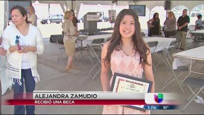 Otorgan becas a estudiantes hispanos entre ellos dreamers