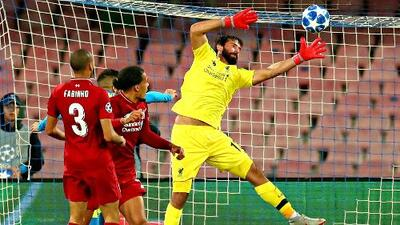 Alisson Becker, del otro lado: eliminado por el Liverpool con la Roma hace un año y ahora en la Final