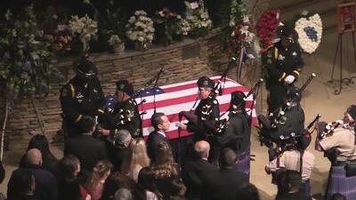 Familia y comunidad de Modesto dan el último adiós a oficial caído