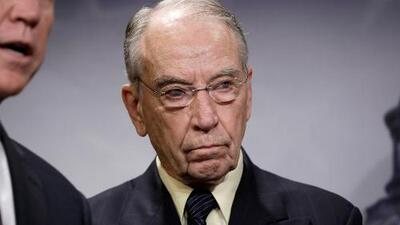 """""""El juez Kavanaugh debe ser confirmado el sábado"""" dice el senador republicano Charles Ernest Grassley, tras investigación del FBI"""