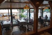 Restaurantes en la ciudad de Nueva York volverán a ofrecer servicio en el interior, pero con algunas restricciones