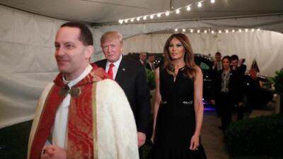 Trump asegura que la gente vuelve a decir 'Merry Christmas' gracias a él