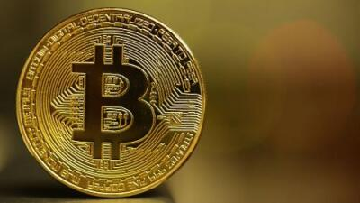 Un bitcoin ya está cerca de valer 10,000 dólares y nadie sabe si explotará su burbuja