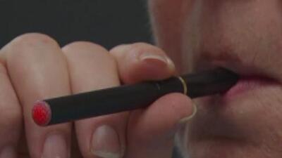 Presentan propuesta para aumentar a 21 años la edad reglamentaria para quienes compran tabaco en Texas