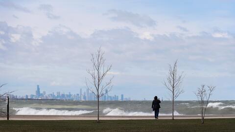Advertencia por inundaciones costeras en el Lago Michigan para este viernes