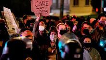 """""""No ofrecen los recursos que se necesitan"""": cerca de 200 indigentes son desalojados del Echo Park de Los Ángeles"""