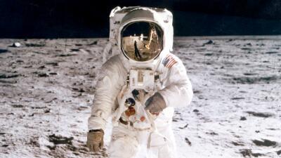 20 fotos históricas de la llegada del Apollo 11 a la Luna: así le ganó EEUU a los soviéticos en la carrera espacial