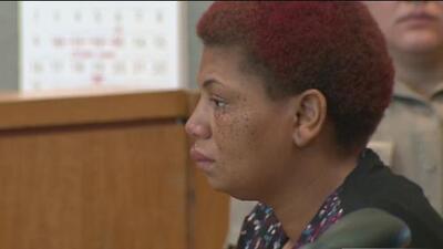 Mujer acusada de abandonar a un bebé en un contenedor de basura en Austin recibe 5 años de libertad condicional