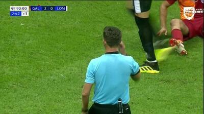 Tarjeta amarilla. El árbitro amonesta a Guilherme de Lokomotiv Moscow