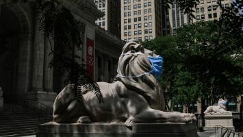 Bibliotecas públicas en Nueva York se reinventan para poder sobrevivir a la crisis que deja el coronavirus