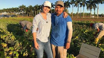 Cosechando de sol a sol: Ana Patricia acompañó a nuestra gente del campo a trabajar y terminó conmovida